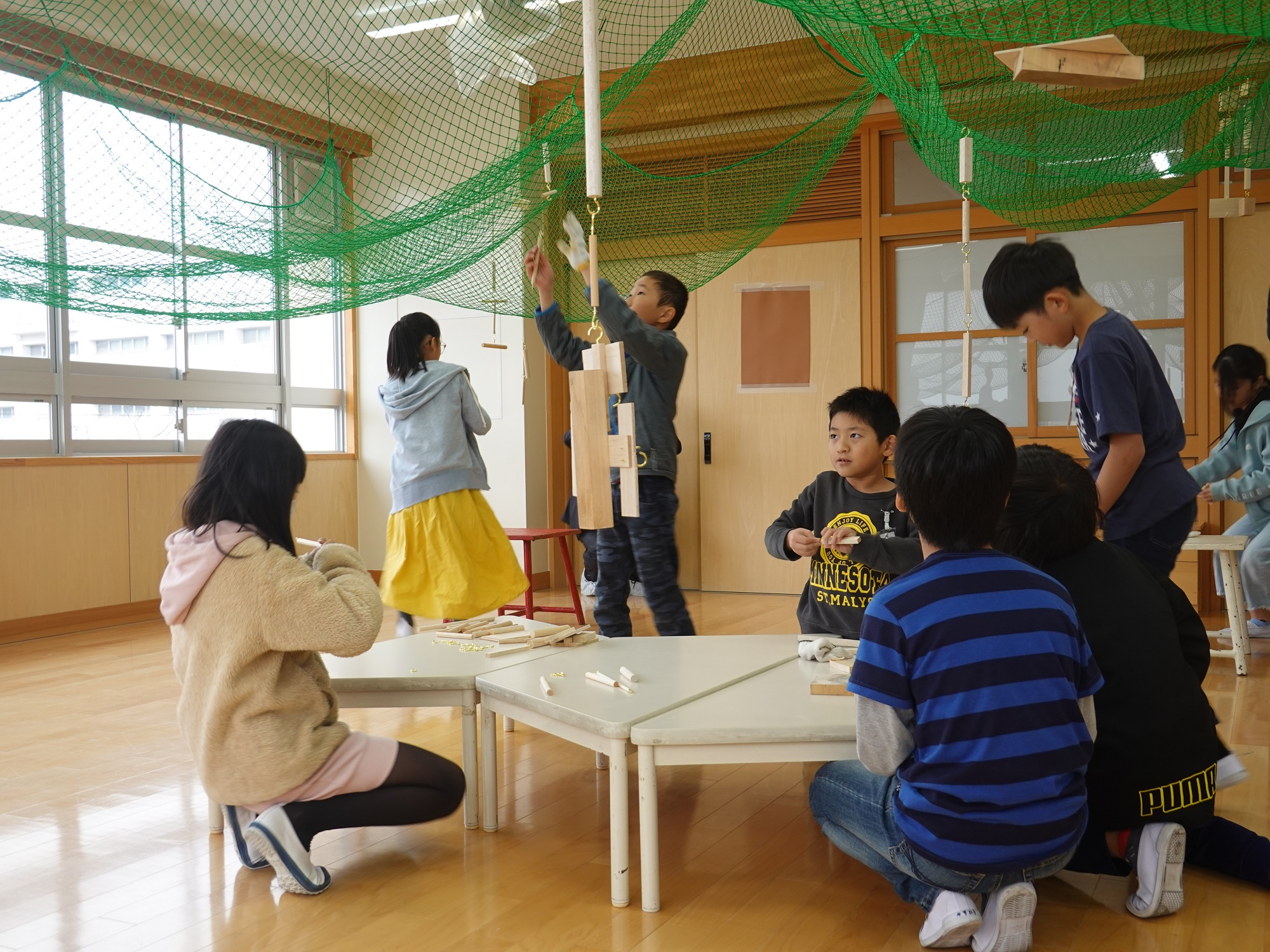 全造會名古屋小學校授課情況 五年級課程「木頭敲敲敲」