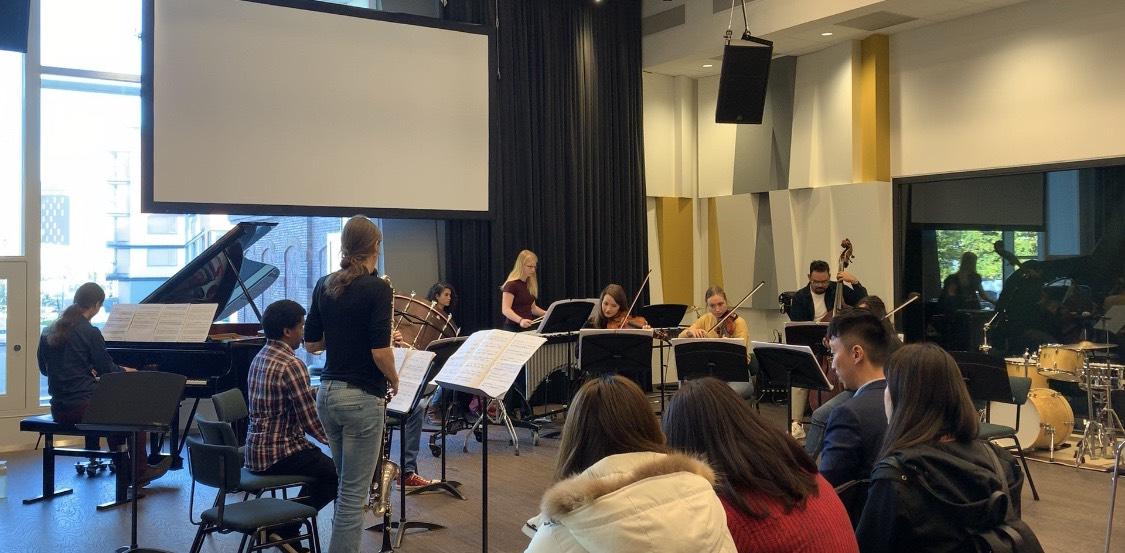 荷蘭團觀賞漢斯應用科技大學音樂學院學生樂團上課排練情形